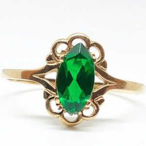 10k Yellow Gold Vintage Marquise Cut Emerald Ring